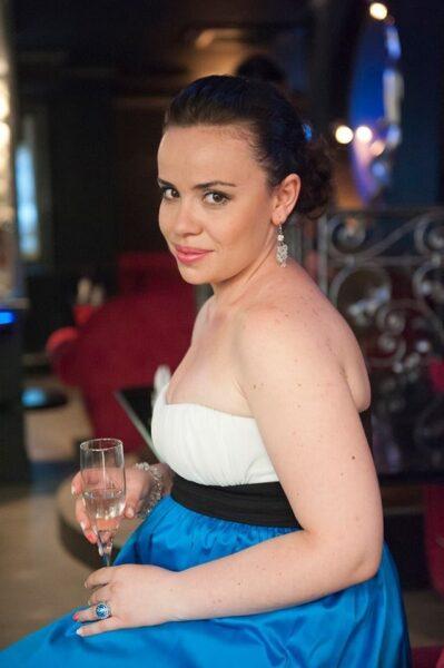 Amandine dispo pour une rencontre sexuel sans engagement a Issy-les-Moulineaux